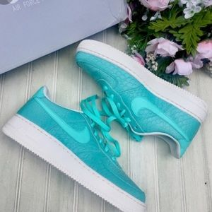 Tiffany blue Air Force 1's.